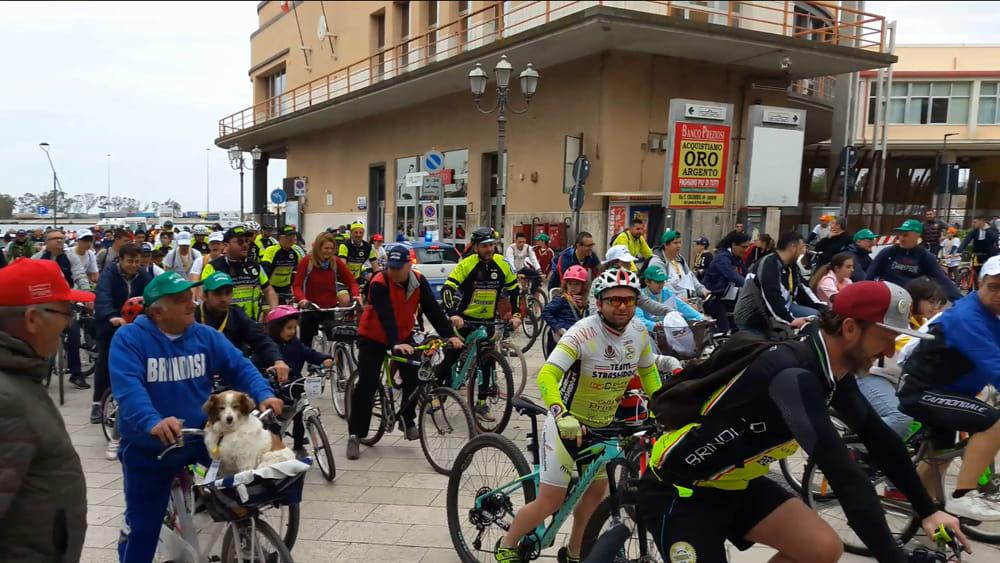 BIB 2019 - Ciclisti alla partenza-2