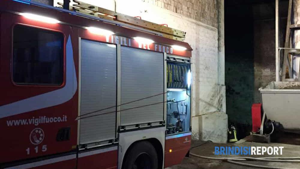 incendio capannone ostuni-2