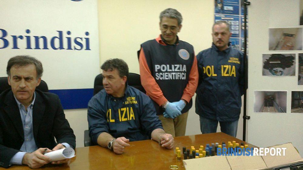 Il capo della Mobile, Francesco Barnaba, e l'ispettore Cosimo Pizza