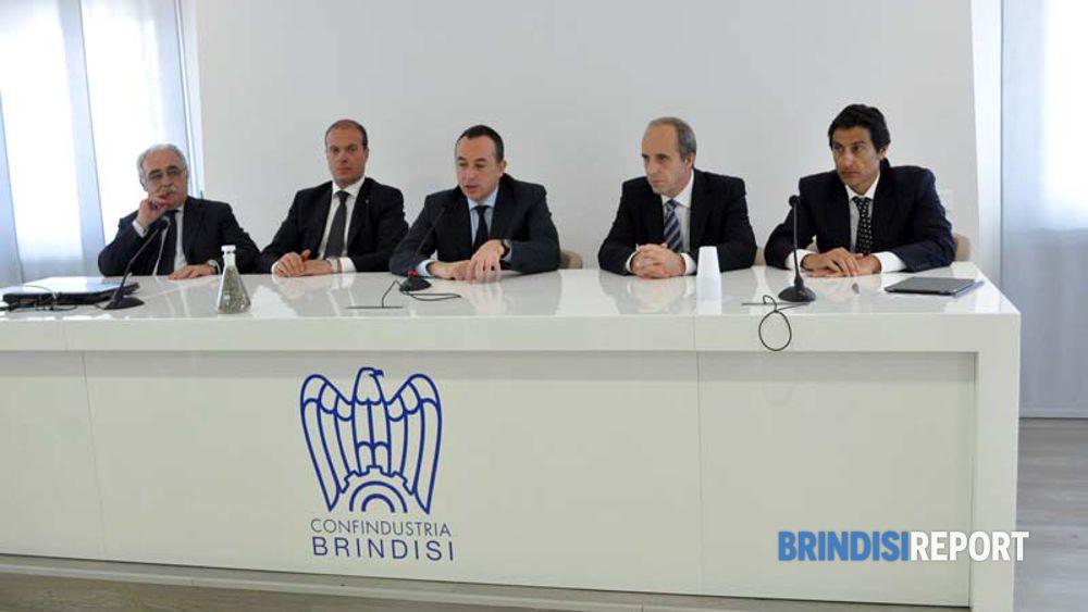 A destra del presidente Marinò, il ceo di Edipower, Massimiliano masi, l'ing. Rossetti e il direttore della centrale, Tonino Maglio