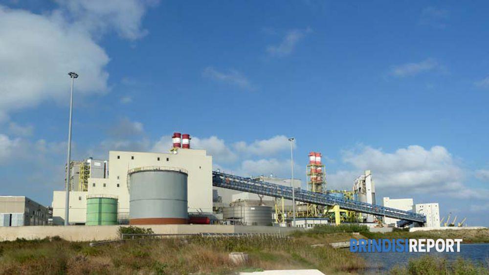 La termoelettrica Edipower-A2A nel porto di Brindisi
