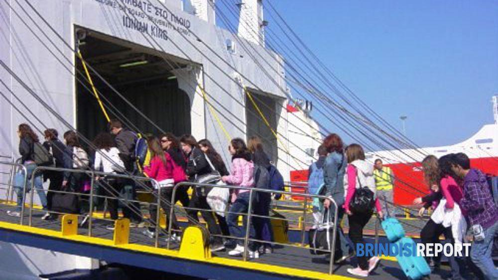 All'imbarco per la Grecia