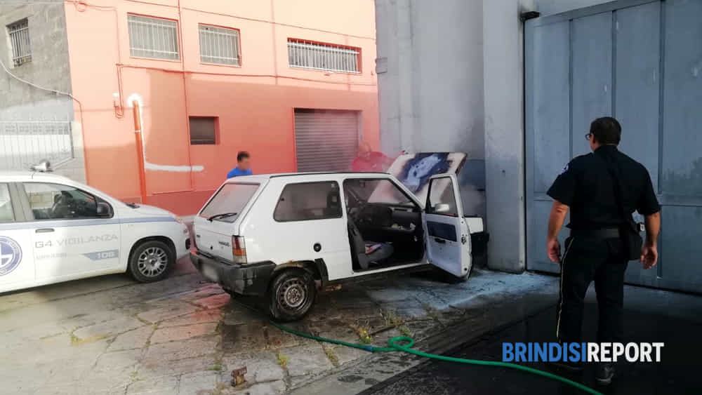 incendio auto san pietro via principe amedeo2-2