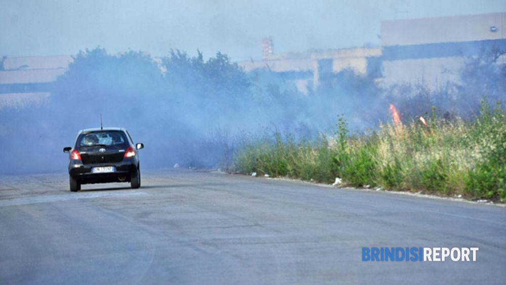 Incendi alla zona industriale