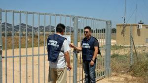 I carabinieri del Noe appongono i sigilli ad uno degli impianti di San Donaci