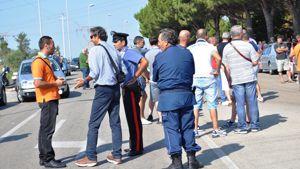 Polizia e carabinieri controllano la situazione