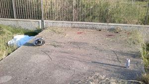 Il punto dove è stato scaraventato lo sfortunato motociclista