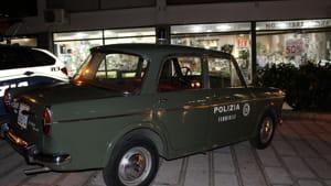 L'auto d'epoca in uso alla Polizia Femminile-2