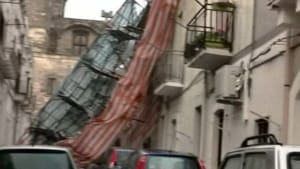 Crollo di un ponteggio in via San Rocco, a Ceglie Messapica-2