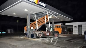 Crasch & money, assalto distributore di benzina Q8 a Grottaglie-2