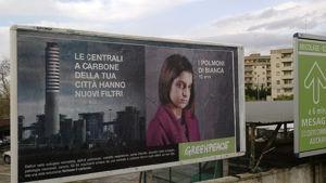 I nuovi manifesti di Greenpeace comparsi a Brindisi