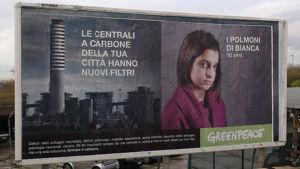 L'attacco di Greenpeace all'Enel, i filtri della centrale sono i polmoni dei bambini