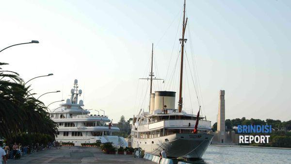 Charter nautico a Brindisi