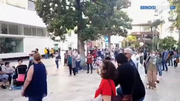 """Basta veleni"": a Brindisi parte il flash mob in piazza Vittoria"