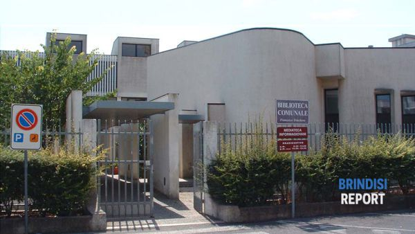biblioteca comunale di Ostuni