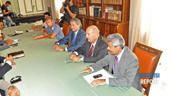 Da destra, il questore Alfonso Terribile, il prefetto Nicola Prete e il presidente della Provincia, Massimo Ferrarese