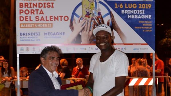 Assessore Pinto premia GM Nigeria-2