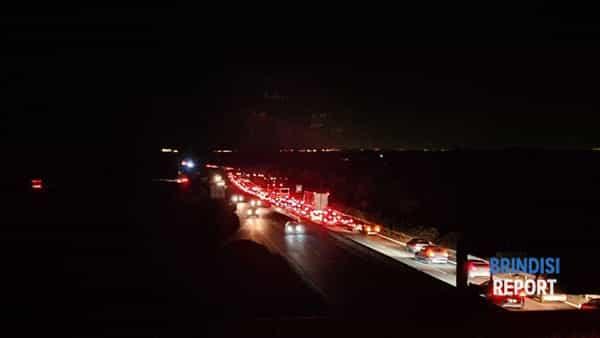 Traffico sulla superstrada-2
