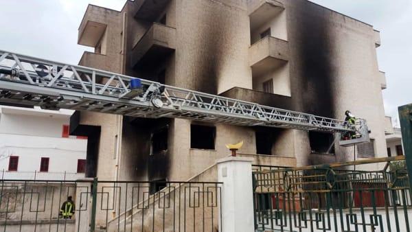 Incendio palazzina Savelletri 2-2-2