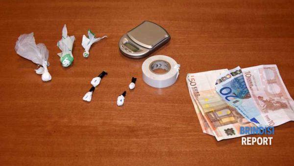 Un particolare della cocaina sequestrata a Maiorano