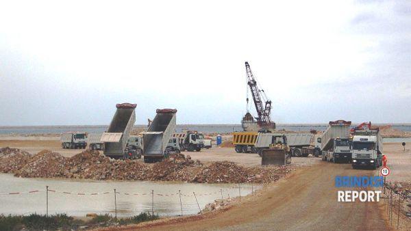 I lavori di realizzazione della colmata prima del 12 febbraio 2007