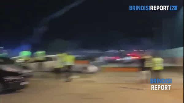 Scontri fra gli ultrà dopo il derby: la polizia lancia i lacrimogeni