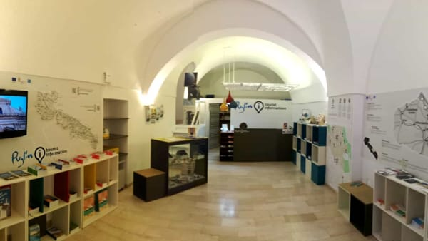 info point ostuni-3