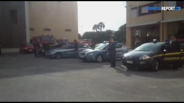 Tragedia di Alessandria: l'omaggio delle forze dell'ordine ai vigili del fuoco