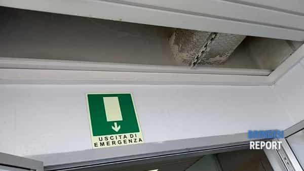 Pioggia nel reparto di Urologia dell'ospedale Perrino di Brindisi 3-3