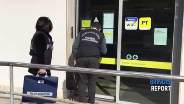 Rapina alle Poste: il sopralluogo della polizia