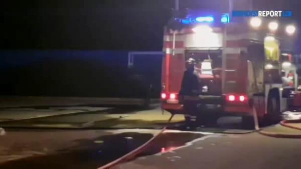Brindisi, incendio nei capannoni Orm Autoricambi