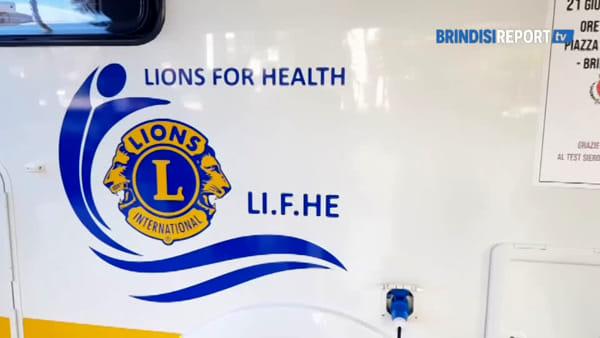 Leo Club e Lions Club: piantine e test sierologico in piazza a Brindisi