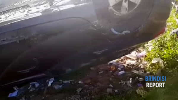 La scena dell'incidente sulla litoranea: conducente illeso