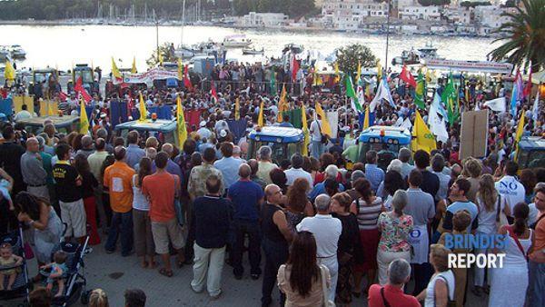 Manifestazione antirigassificatore a Brindisi (D.Errico)