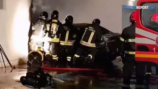 L'intervento dei vigili del fuoco in via Mantegna a Brindisi