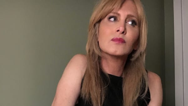 """""""Sono venuta pure in tour"""" nuovo live music di Eleonora Magnifico"""