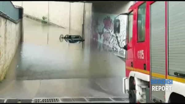 San Pietro, allagate le solite zone: ancora auto intrappolate nel sottopasso