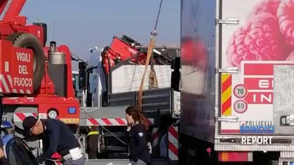 incidente 613 brindisi.lecce1-2