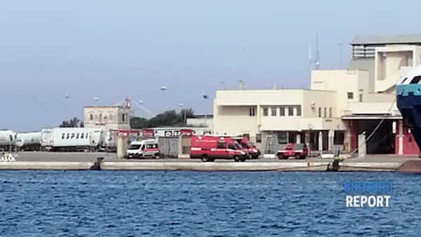 la banchina dove è stato trasferito il corpo del sub leonardo m arseglia-2