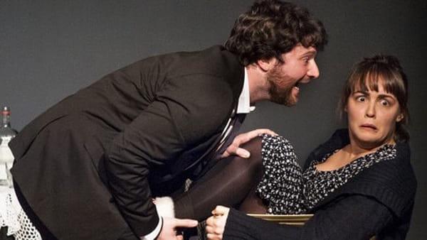 """Appuntamento a teatro con """"Coppia aperta, quasi spalancata"""""""
