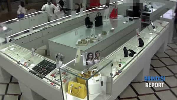 Il video della rapina a Matera con un brindisino arrestato