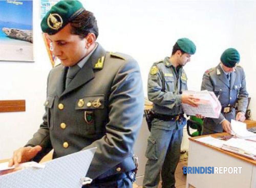 Estorsione ai danni dei lavoratori arrestati titolari for Magri arreda francavilla fontana