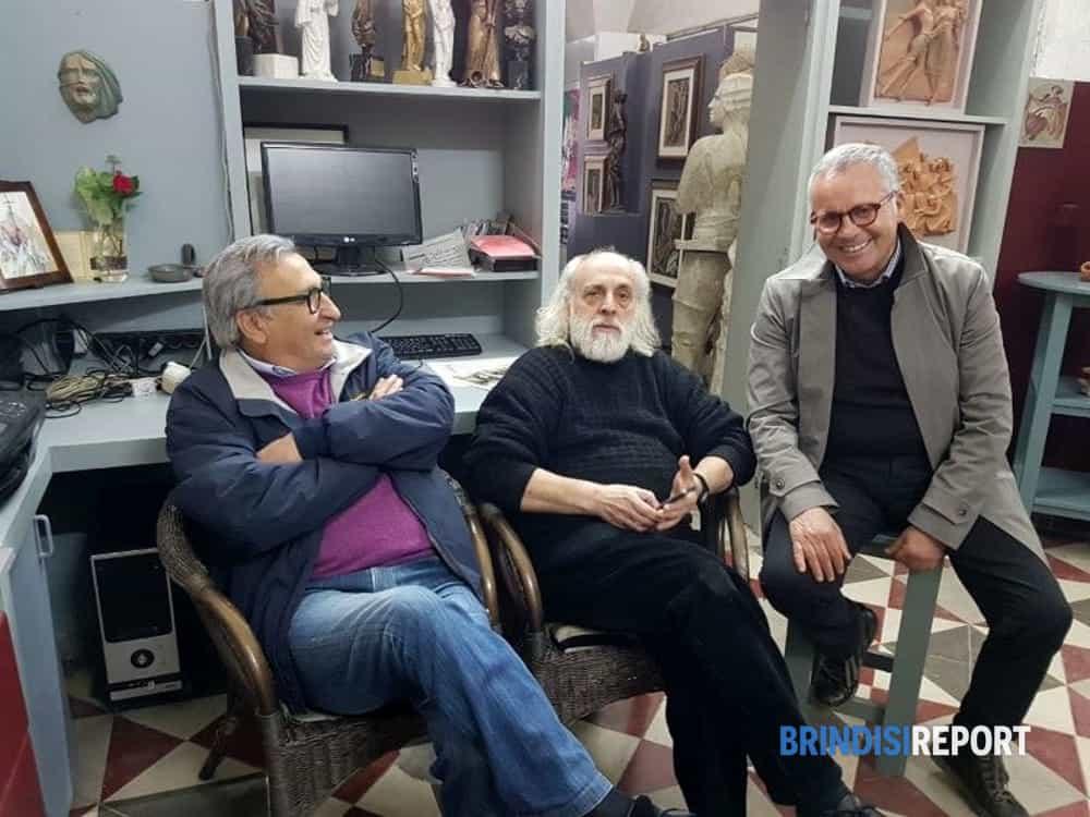 Vittorio Stamerra e Carmine Dipietrangelo con l'artista Carmelo Conte-2