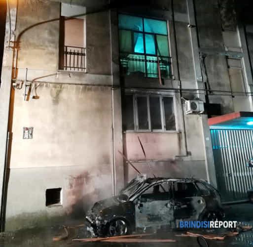 incendio auto san vito1-4