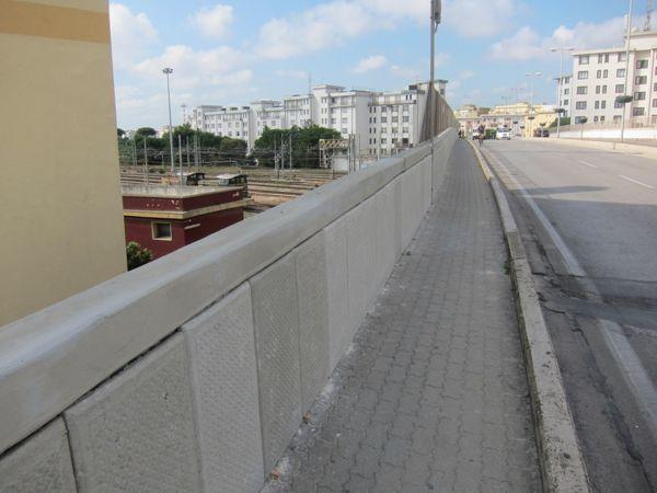 Inuovi pannelli installati lungo il cavalcavia De Gasperi-2