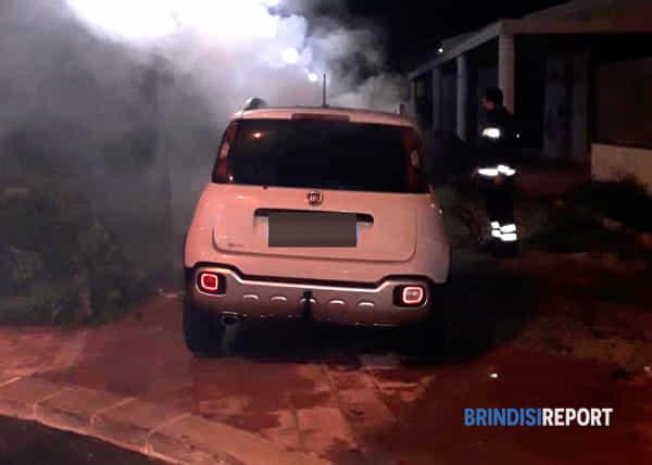 incendio auto brindisi-3