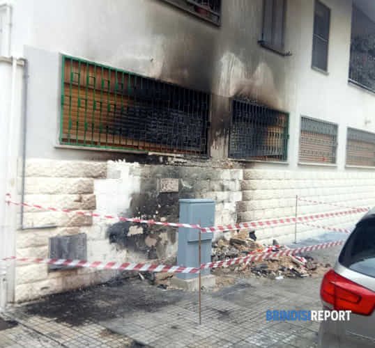 incendio via imperatore costantino-2