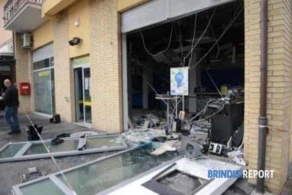 esplosione-bancomat-poste-Trodica-2-400x267-3-2-3-2-2