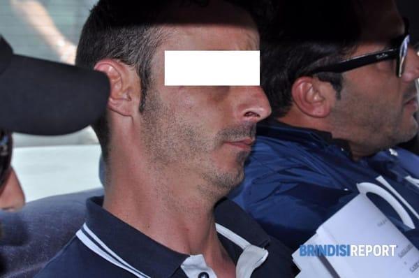 Antonio Campana tra gli agenti-2