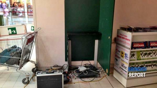 La postazione dove era installato il bancomat-2